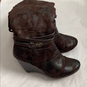 Bare Traps Brown Wedge Boots 9